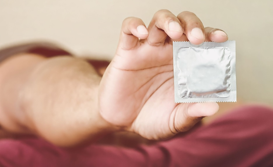 Unwrapping the Facts on Condoms- a guide to condom use and condom use conversations